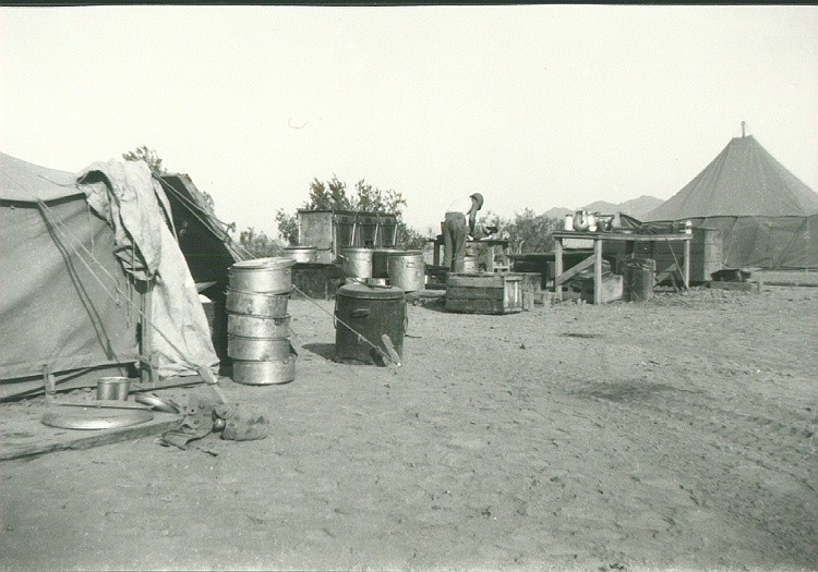 07_Camp_Young_CA_Desert_Kitchen_and_Red_Rapper_the_first_cook