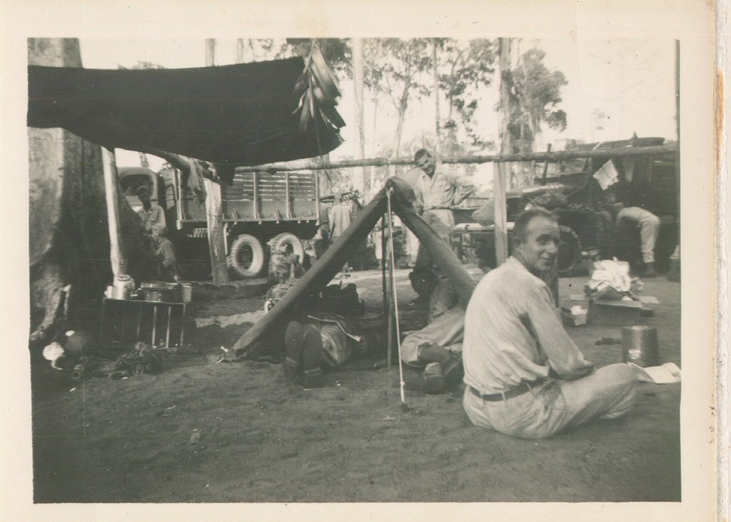 71_Sansapor_On_the_beach_waiting_to_board_the_transports_Christmas_day_1944