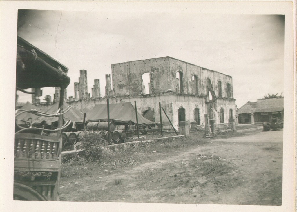 98_Luzon_The_capitol_building_of_Bataan_province