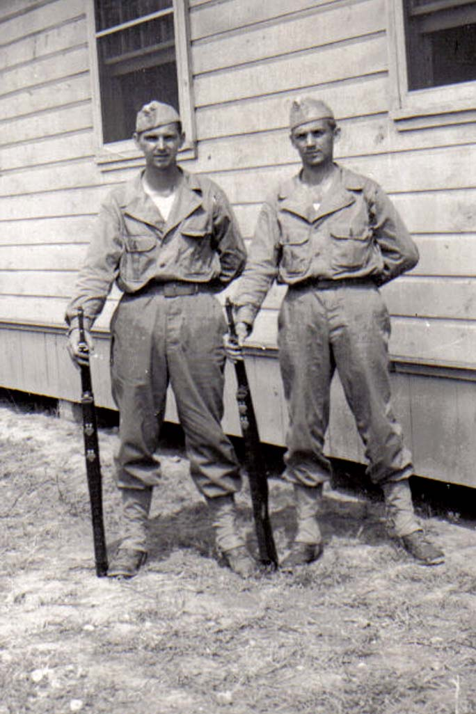 A04 Ft_ Leonard Wood_ MO - Lou Murrin and Tom Fallen in fatigues