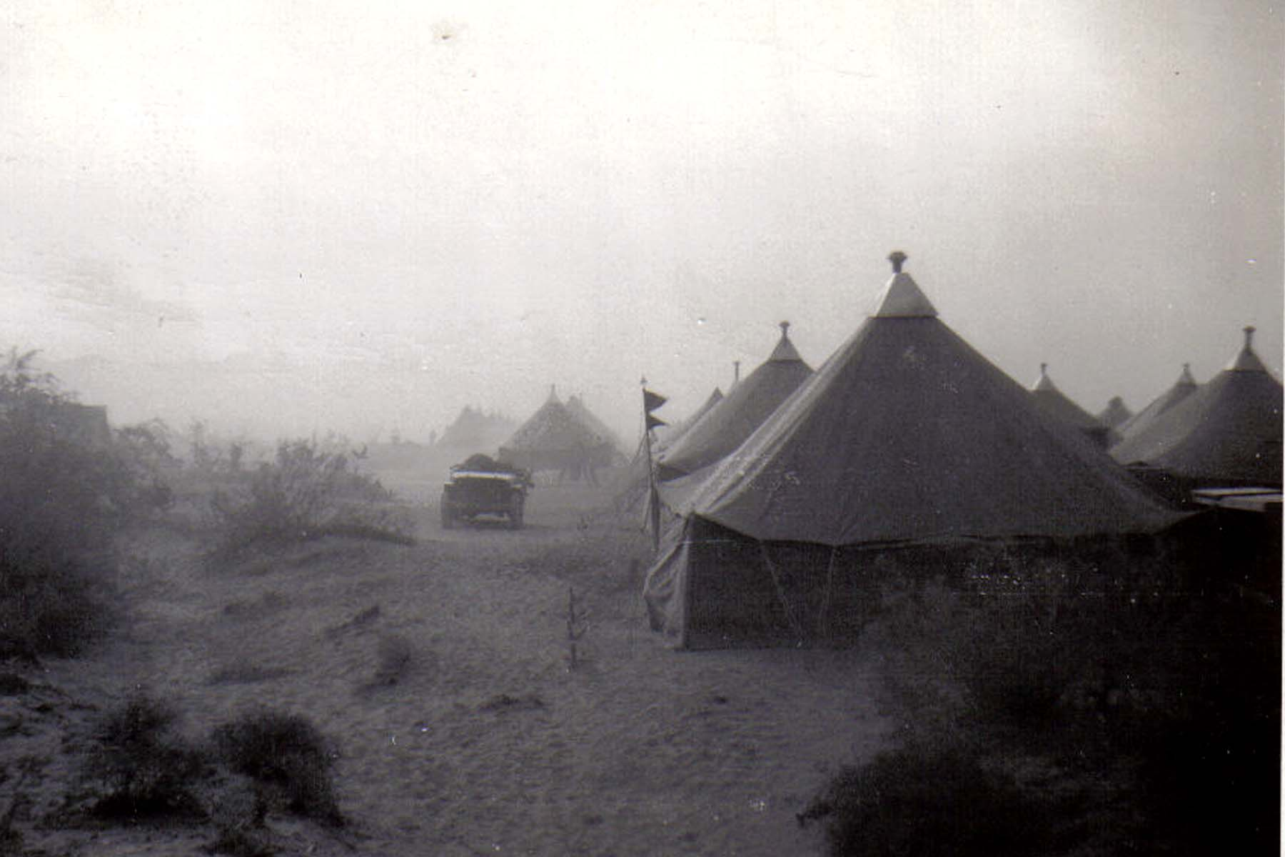 B38 Camp Young_ CA - Wind picks up - prelude to a dust storm